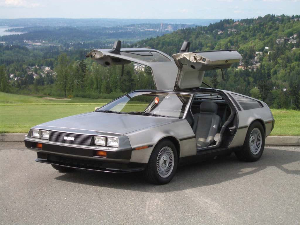 DeLorean-DMC-12