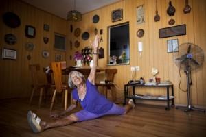 Agnes doing a split at 91.